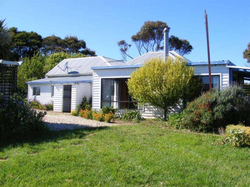 17324 Bass Highway, Boat Harbour, Tas 7321
