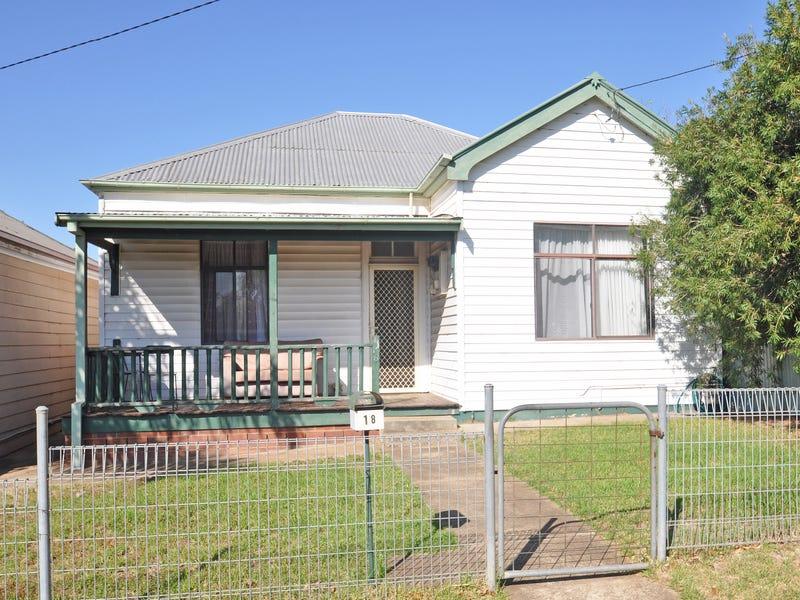 18 Kemp Street, Junee, NSW 2663