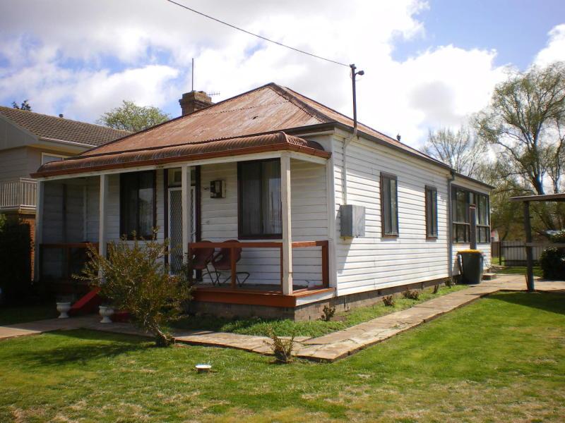 3 OTTIWELL STREET, Goulburn, NSW 2580