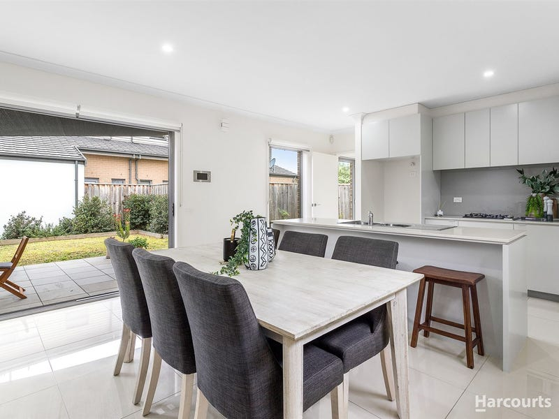 25 Bloom Avenue, Wantirna South, Vic 3152