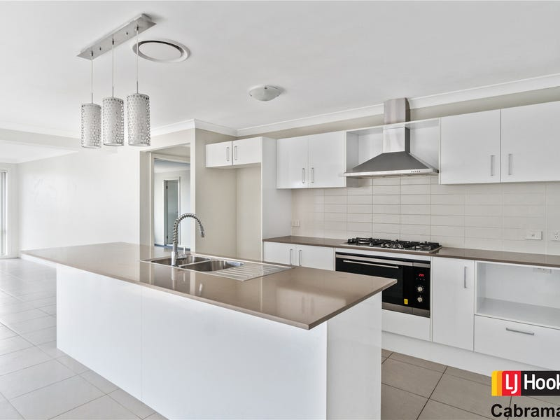 2 Ambrose Street, Oran Park, NSW 2570