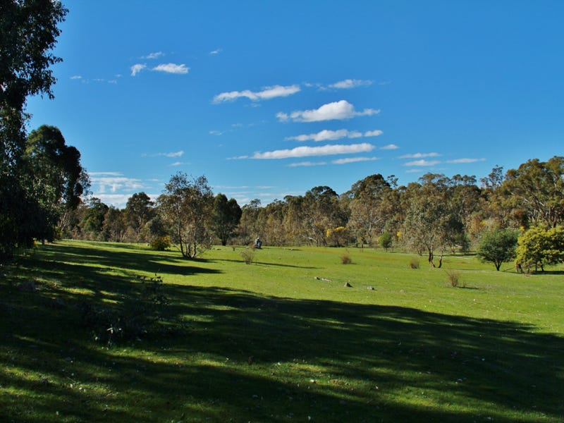 20 Forest Dr, Heathcote, Vic 3523