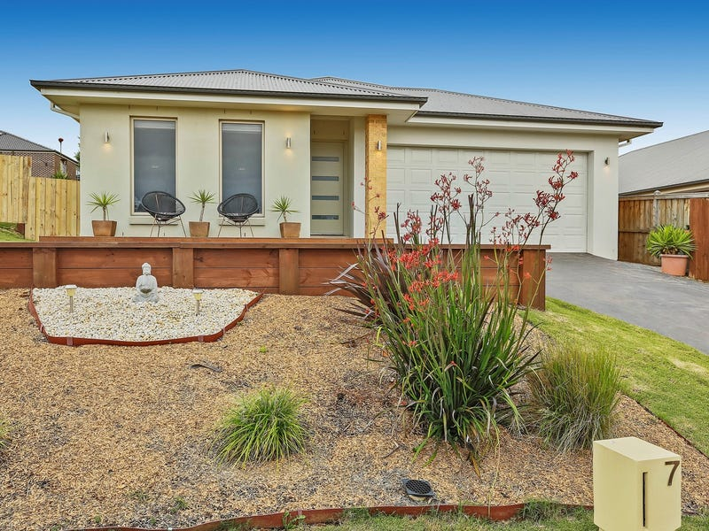 7 Waterview Close, Drouin, Vic 3818