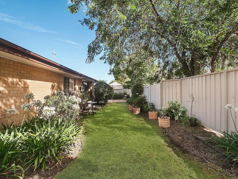 13 Warby Place, Charnwood, ACT 2615