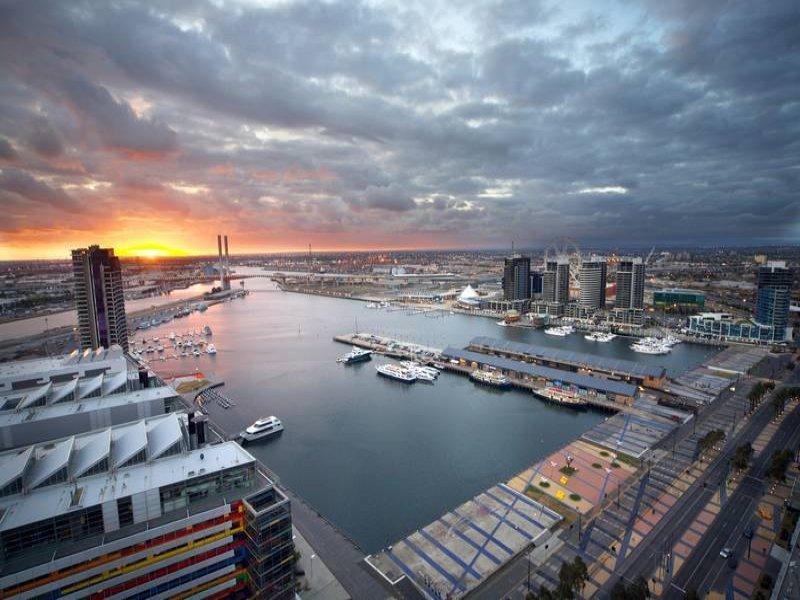 3204/100 Harbour Esplanade, Docklands, Vic 3008