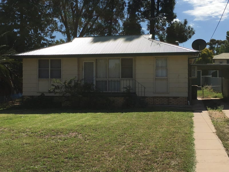 15 Lake Drive, Narrandera, NSW 2700