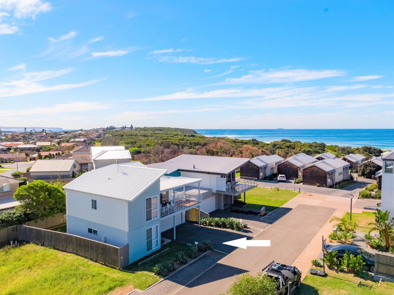 37 Seaside Circuit, Caves Beach, NSW 2281