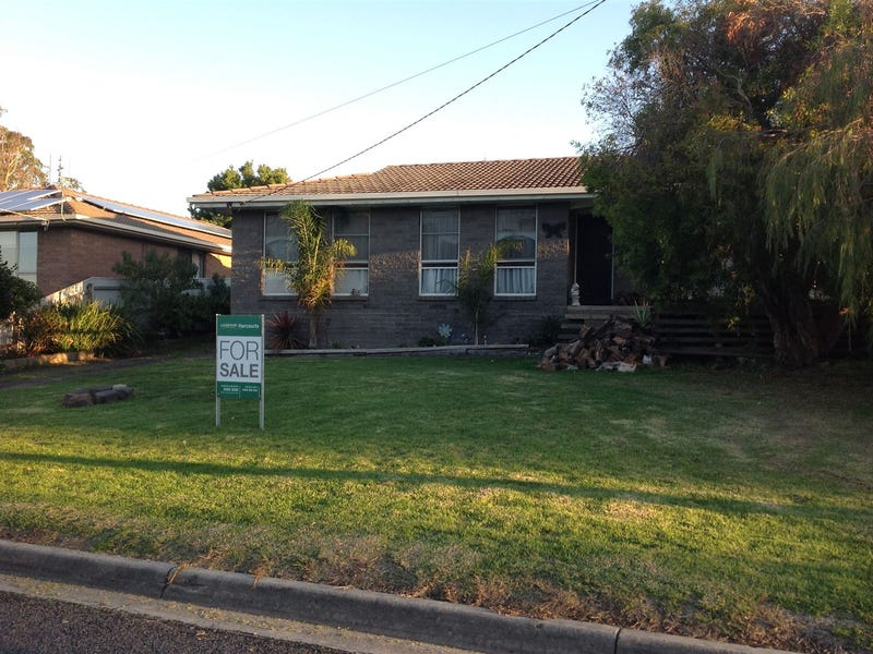 9 Neal Street, Timboon, Vic 3268