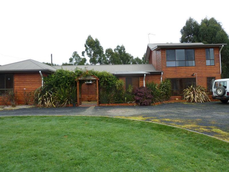 30 Yanns Road, Rocky Cape, Tas 7321