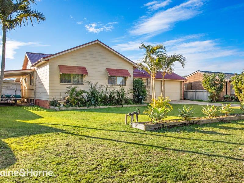 11 Rigney Road, Tanilba Bay, NSW 2319