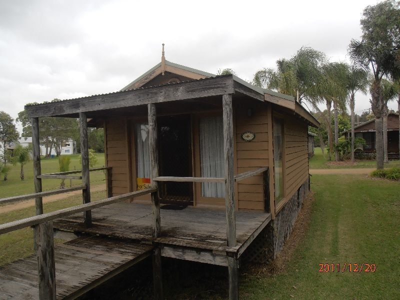 Cabin 3 Old Punt Road, Swan Bay, NSW 2324