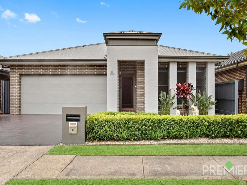 10 Sandhurst Drive, Gledswood Hills, NSW 2557