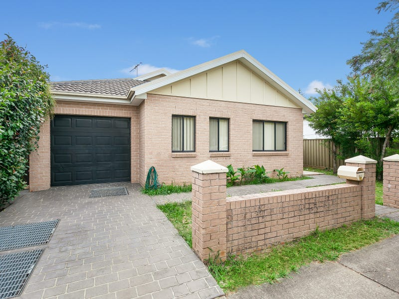 2C Daley Street, Pendle Hill, NSW 2145