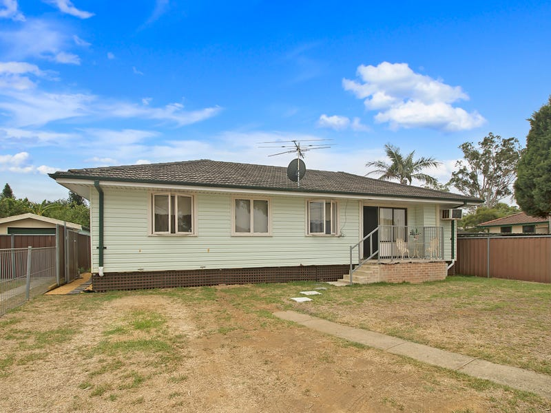 11 Permian Drive, Cartwright, NSW 2168