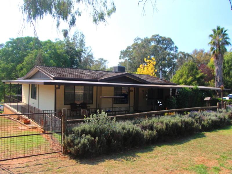 2 Rose Street, Wombat, NSW 2587