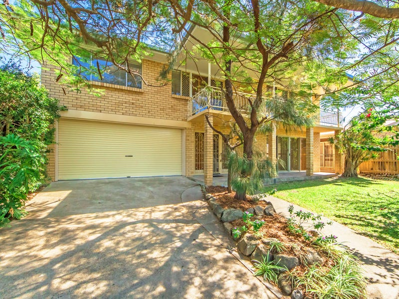 17 CLARE STREET, Southport, Qld 4215