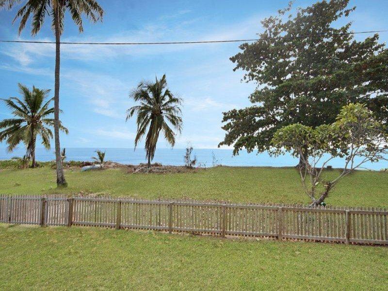111 Cay Street, Saunders Beach, Qld 4818