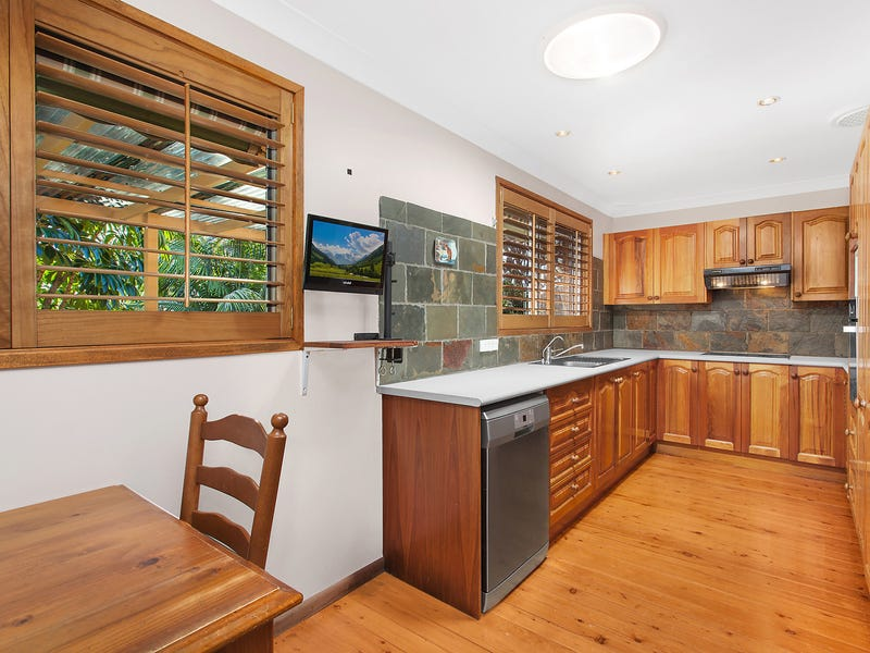 11 Bowral Close, Hornsby Heights, NSW 2077