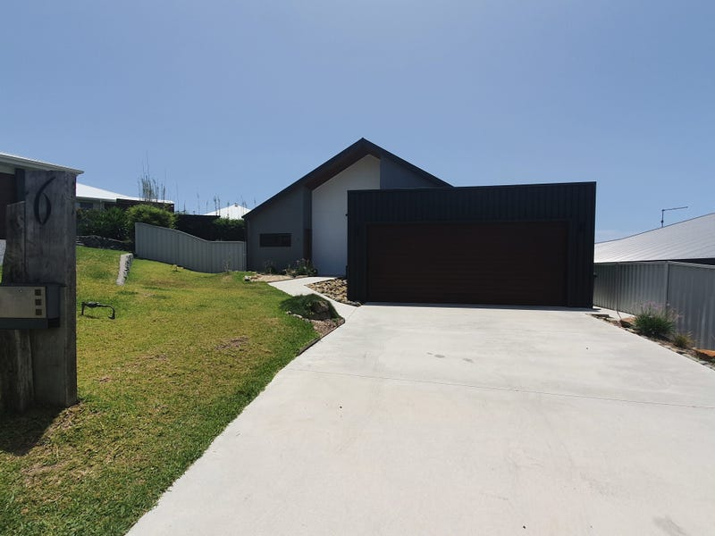 6 Neptune Close, Safety Beach, NSW 2456