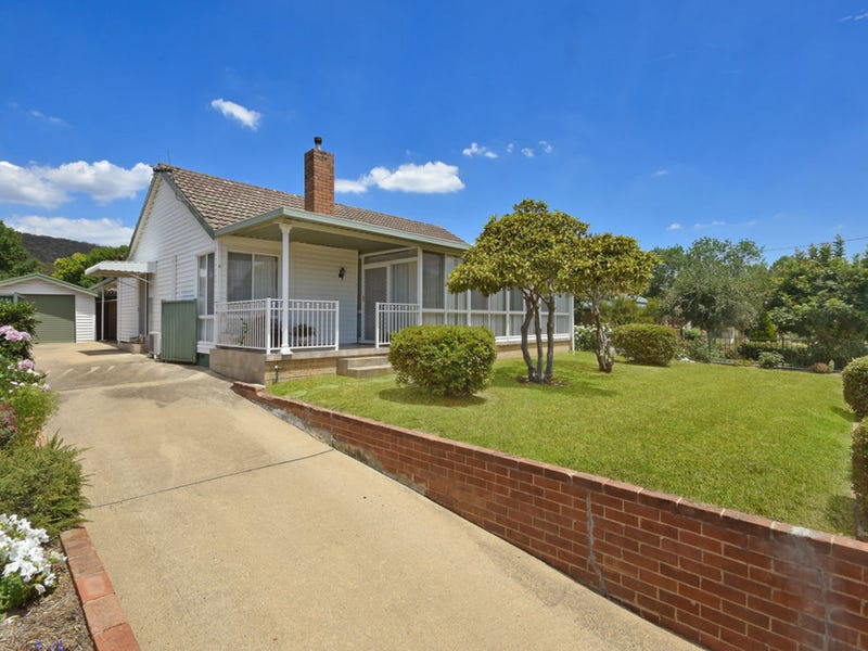 4 Amiens Street, Littleton, NSW 2790
