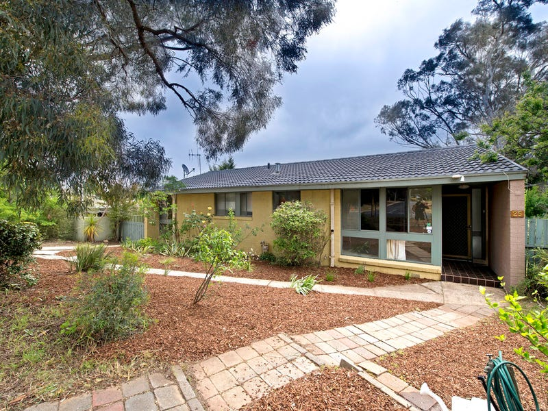 25 Baddeley Crescent, Spence, ACT 2615