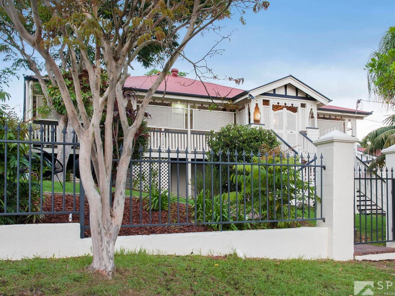 155 Empress Terrace, Bardon, Qld 4065