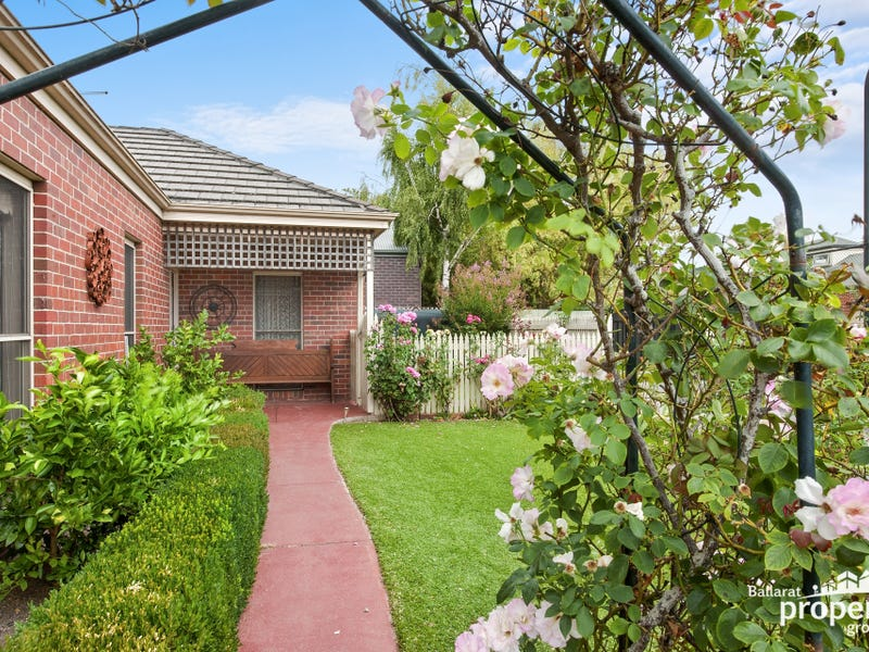 2/1305 Gregory Street, Lake Wendouree, Vic 3350
