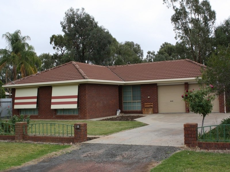 8 Brooks Crescent, Darlington Point, NSW 2706