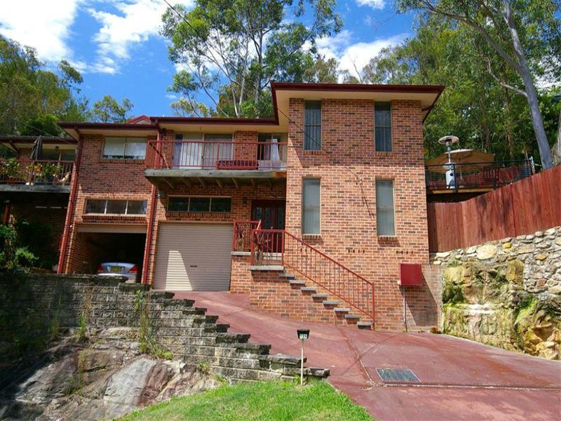 12 Cootamundra Road, Hornsby Heights, NSW 2077