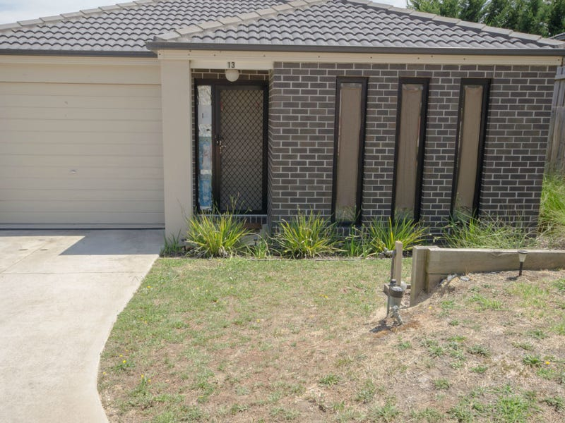 Unit 13/107 Army Road, Pakenham, Vic 3810