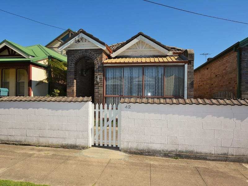 42 Laurence Street, Lithgow, NSW 2790