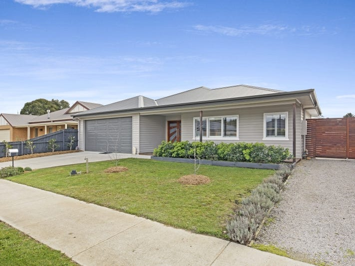 36 Tree Change Way, Woodend, Vic 3442
