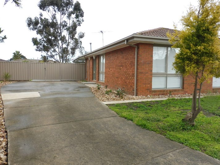 25 Dransfield Way, Epping