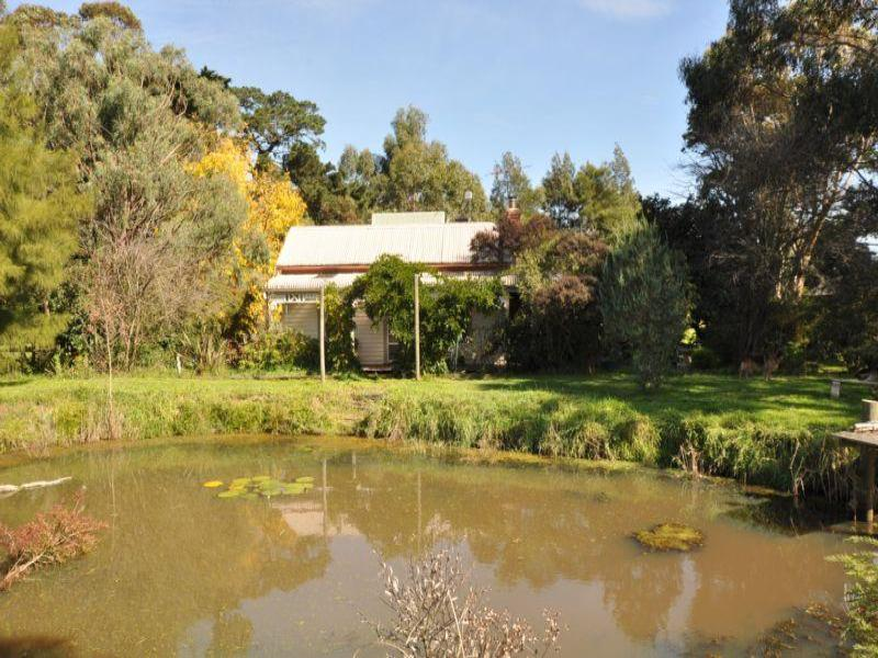 43 Oswells Road, Boorcan, Vic 3265