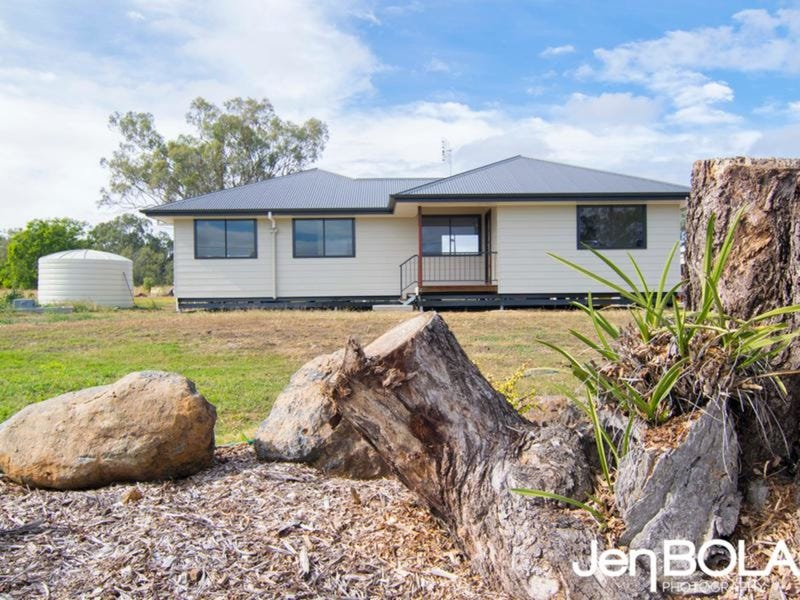 19 Hustons Place, Dalby, Qld 4405