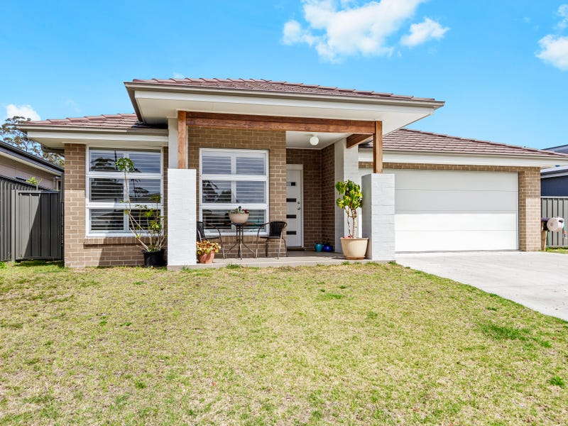 78 Heath Street, Broulee, NSW 2537