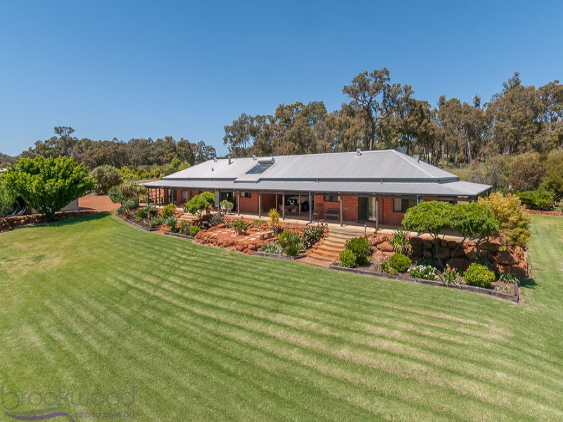 24 Country Road, Gidgegannup, WA 6083