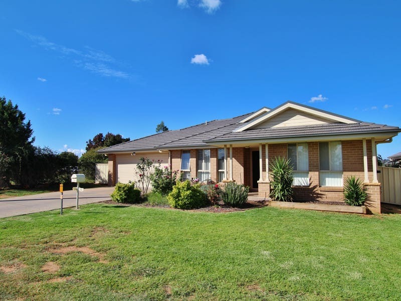 76 Hills Street, Young, NSW 2594