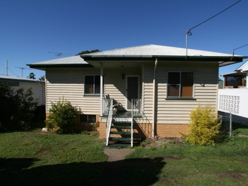 3 Logan Street, North Booval, Qld 4304