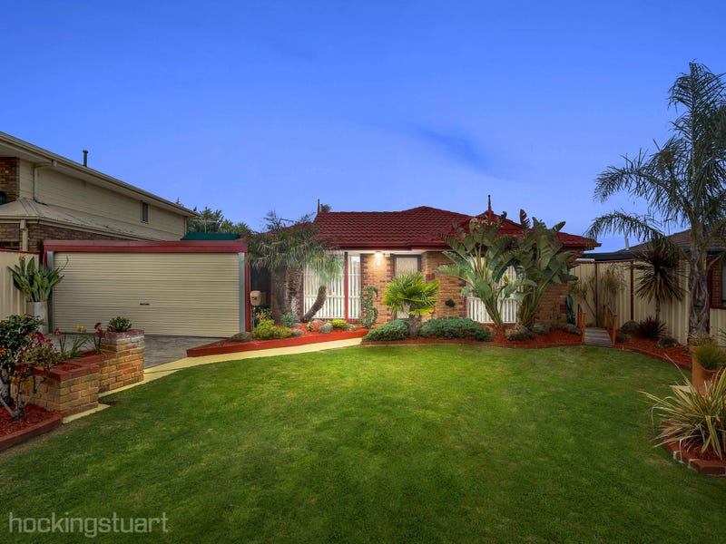 4 St Lawrence Close, Werribee, Vic 3030