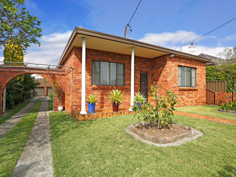 11 Clarkes Road, Ramsgate, NSW 2217