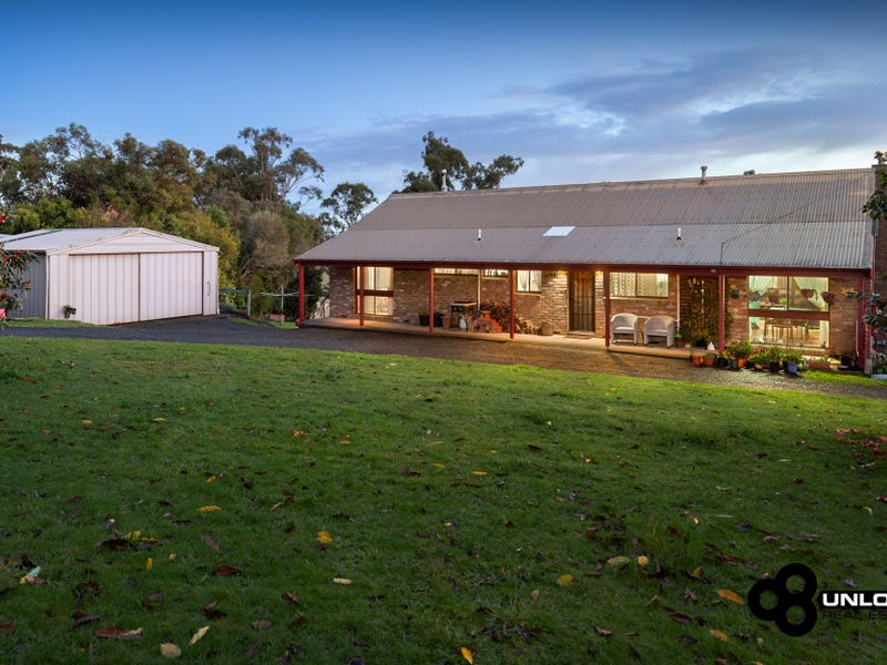 21 Town Road, Gembrook, Vic 3783