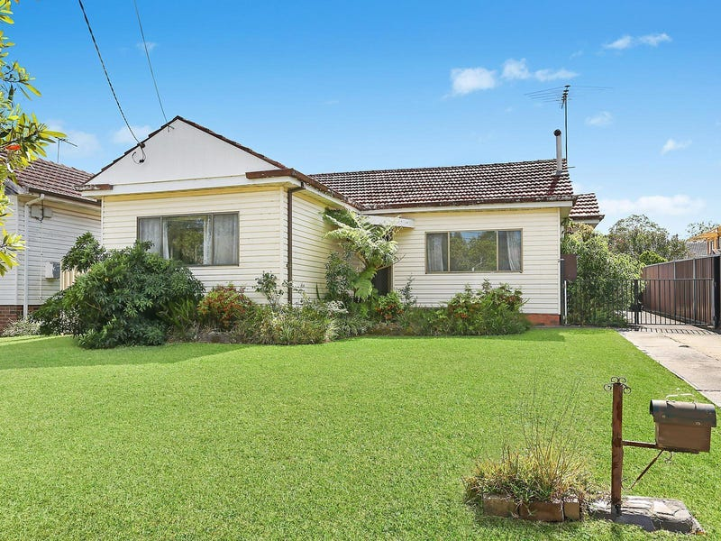 2 Treatt Avenue, Padstow, NSW 2211