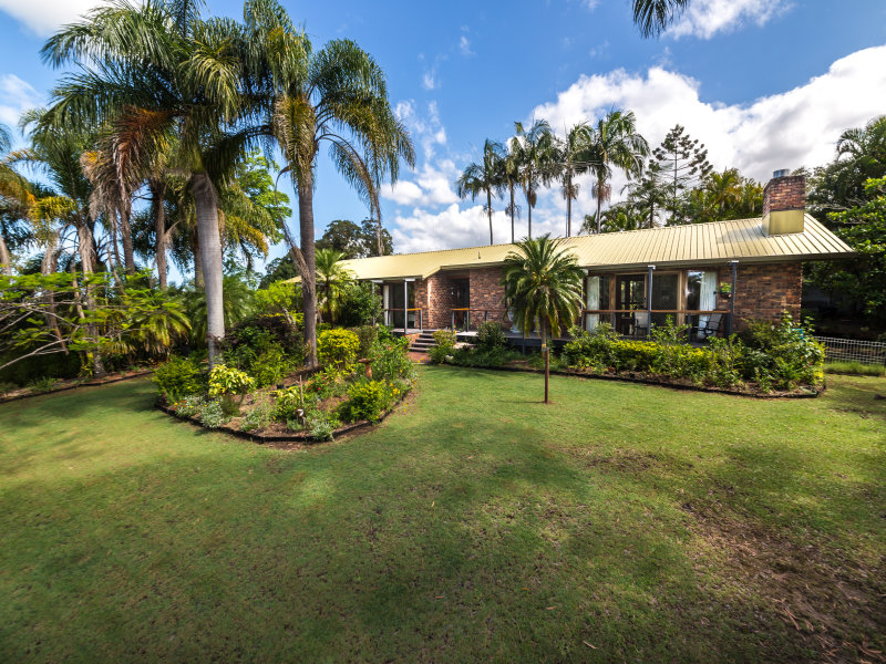 22-24 Mountain Breeze Court, West Woombye, Qld 4559