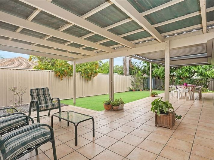 9 Dandenong Road, Jamboree Heights, Qld 4074