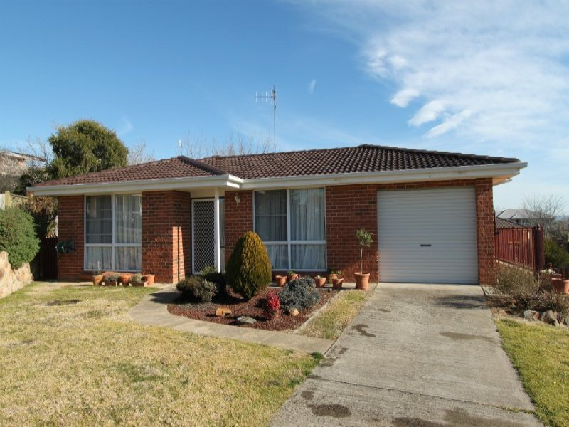 11 Parson Close, Bathurst, NSW 2795