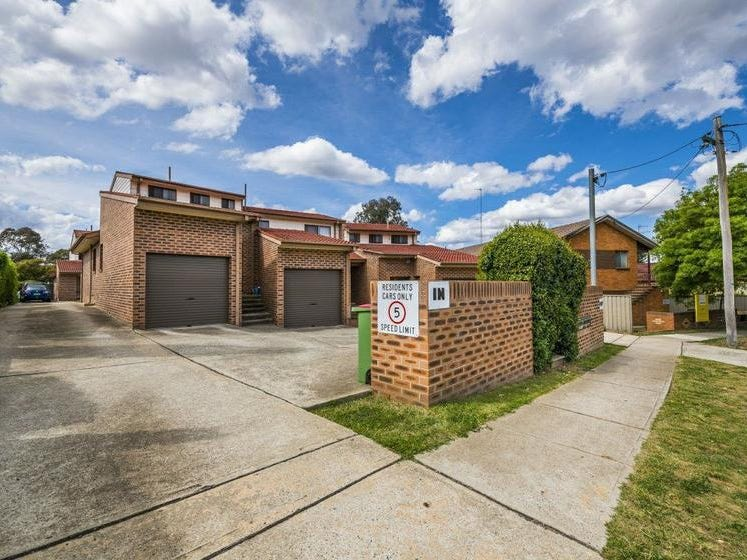 4/7 Adams Street, Queanbeyan, NSW 2620