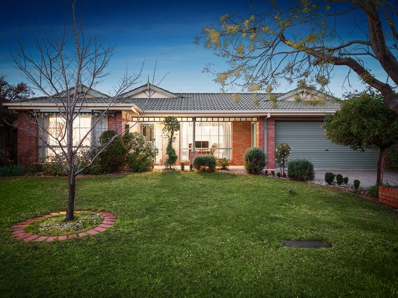 35 Thomas Place, Pakenham, Vic 3810
