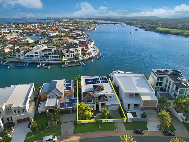 12 Westminster Court, Sovereign Islands, Qld 4216