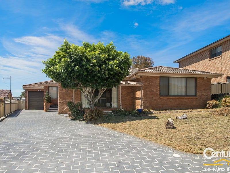 3 Glen Osmond Crescent, Bossley Park, NSW 2176
